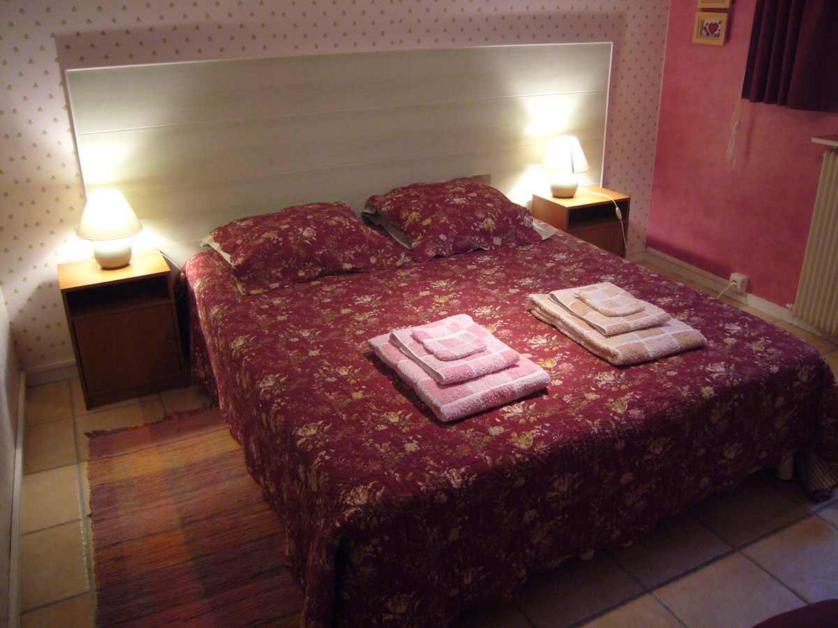 Voir chambre rose for Chambre bed and breakfast
